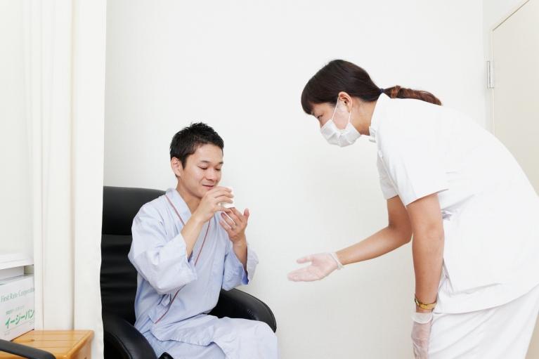 大腸内視鏡検査で飲む下剤の量をできるだけ減らしています
